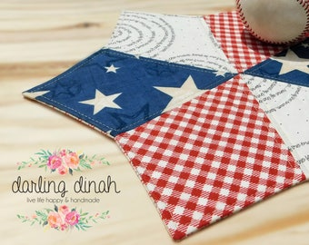 Darling Dinah Patriotic Table Mat - Medium