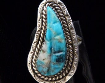 Leaf-Shaped Turquoise Ring Set in Silver Size 10