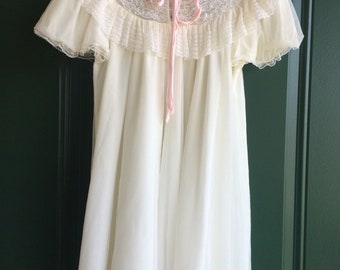 1960s Babydoll Frilly BRIDAL LINGERIE Chiffon Nightgown Dress Vintage White Lace