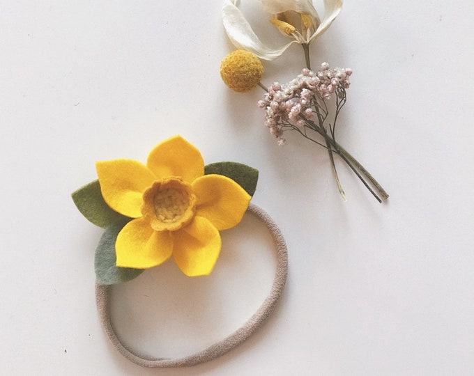 Felt Flower Headband or Alligator Clip //  Yellow Daffodil, Giddyupandgrow