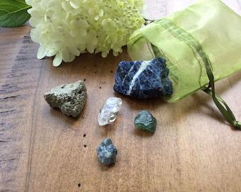 Personal Growth and Creativity Crystal Care Kit, Raw Healing Crystals Stones, Sodalite, Green Apatite, Quartz, Blue Quartz, Pyrite, Mojo Bag