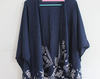 Kimono with White Embroidery in Navy Blue
