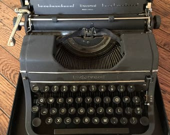 Vintage Underwood Universal Typewriter in Case Display Photo Prop