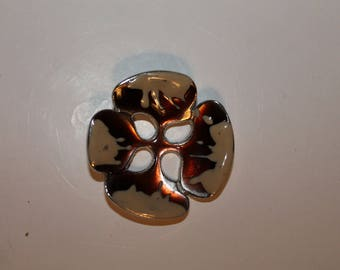 flower, mother of Pearl button, fantasy, four petals, and four holes
