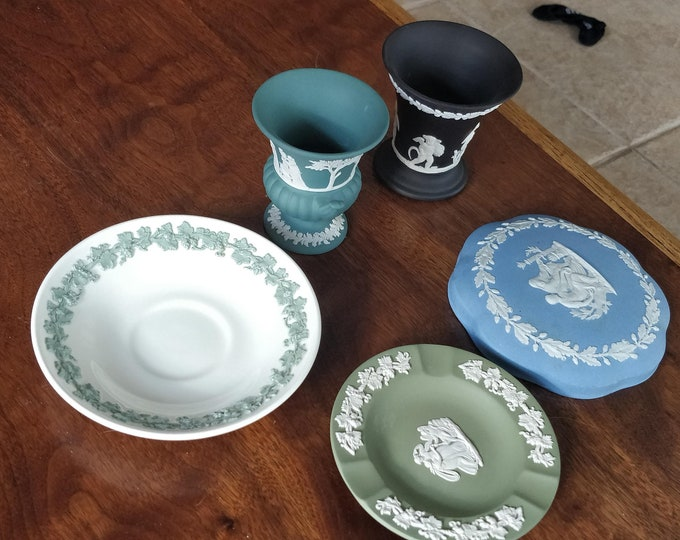 Vintage Wedgwood Lot - urn, vase, ashtray, lid, saucer - Jasper