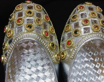 Women's shoes, Indian shoes, Pumps, Flat shoes, Indian pumps, leather shoes, Indian wedding shoes, Bollywood shoes, Sliver pumps