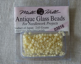 Mill Hill Glass Beads 03016 Antique bead