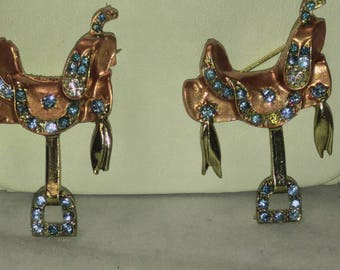 SALE 20% Off Pair Scatter Pins Brooches Copper Saddles with Blue Rhinestones Horses, Equestrian #B437