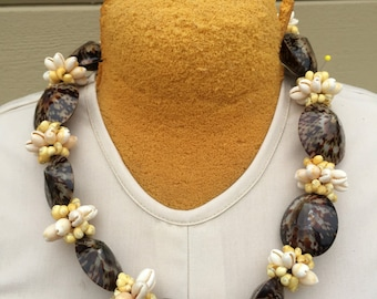 limpet shell lei, necklace with cowrie and ming shells, polynesian jewelry