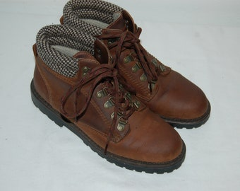 Women Size 6 1/2 Westbound Leather Boots / Hiking Boots / Walking Boots