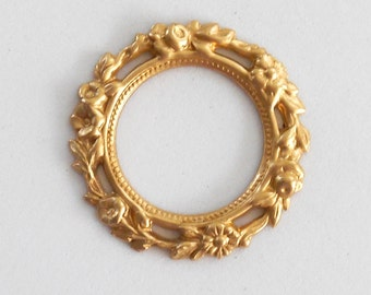 1 Ornate Raw Brass floral wreath, ring, connector, brass stamping, 36mm, made in the USA C0601