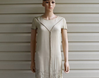 1920s FLAPPER Silk Dress, Vintage Beaded 20s Dress, Crepe Cream Color Beaded Tassels Sz SMALL or SIZE 4