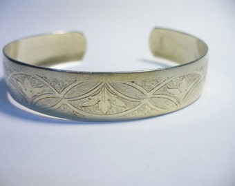 Vintage etched sterling vermeil cuff bracelet - Art Nouveau floral design - Danecraft - 7 inches