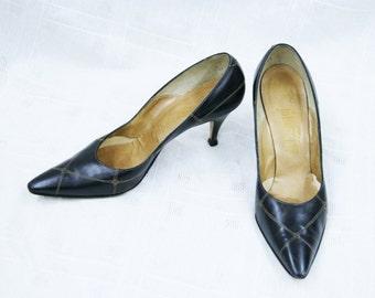 Vintage 1950s 60s Ladies Black Leather Heels By Johansen Size 6 1/2 N