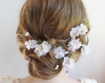 white flower hair pins, white flower hair clip, bridal hair pins, cherry blossom hair pins, wedding hair flowers, floral hair comb, leaves