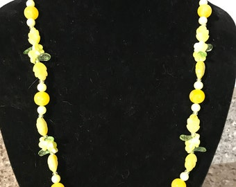 Vintage Molded Lucite Yellow 1950s Flower Beads Single Strand Necklace 35 inches