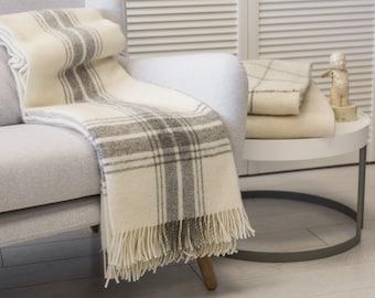 """Wool blanket. wool throw. white wool blanket. light grey blanket. throw blanket""""Boteh 35"""" Made in Europe"""