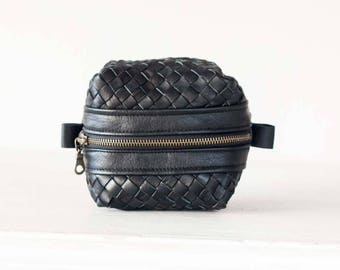 Dopp kit in handwoven black leather, toiletry case makeup bag accessory bag cosmetic case travel case utility bag travel case - Cube