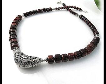 Red Tigereye Beaded Necklace, Brown necklace, brown jewelry, Red Tigereye gemstones, Tigereye gemstones, Bali jewelry, handmade jewelry