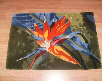 Bird of Paradise, Thick, soft and bright rug.