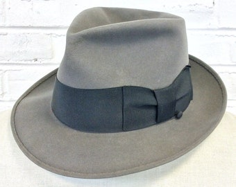Size 7 1/4 Vintage 1950s 1960s Gray Fur Felt Fedora with Overwelt, Wind Trolley, and Black Band by Caesari