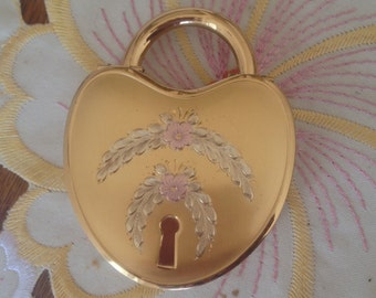 Compact Padlock Heart Shaped Rare Valentines etccollectible La Mode Puff Powder Screen Mirror Complete Fine Signed Gorgeous Colector Item