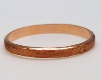 Ring red gold satin