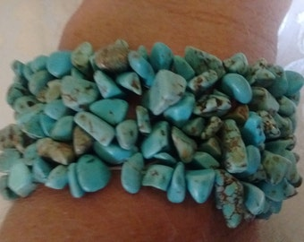 NICE LOOKING Turquoise Chip Bracelet-