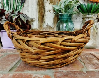 Round Wicker Basket/Small-Medium Storage Basket/2 Handle Basket with Braided Edge in Natural Brown/Vintage