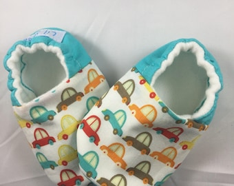 Car baby shoes,Baby Crib shoes, baby boy shoes, baby slippers, Baby moccasins, baby soft sole shoes, car print, baby booties,crib shoes
