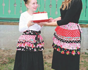 happy girl apron by marie-madeline studio (M070)