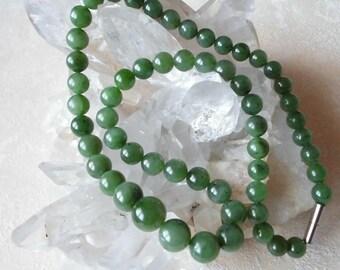 Precious stone Necklace nephrite Russ. Jade Necklace 9-14 mm beads 60 cm necklace