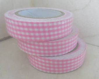 1 roll of adhesive fabric pink gingham (1) 5 meters