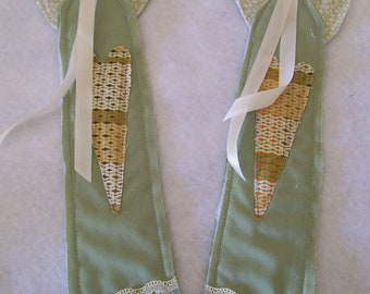 Angels/set of 2/ Primitive/Country Collectors Scrap Fabric Angels/calico gal green