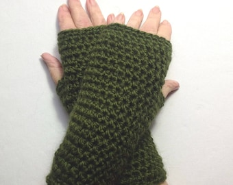 Alpaca mix wristlets - Green fingerless gloves - Alpaca blend wristwarmers - Crochet texting gloves