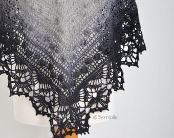 Lace crochet shawl, triangular, R636