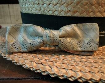 Vintage Men's Grey Slim Bow Tie/ Professor's Tie / Vintage Bowties / 1950's / Clip on Bow Tie