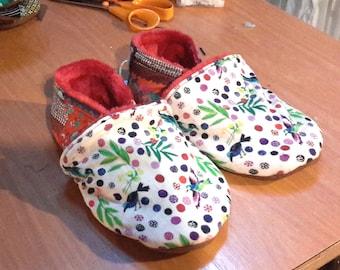Kids stuffed baby shoes, T-34, birds