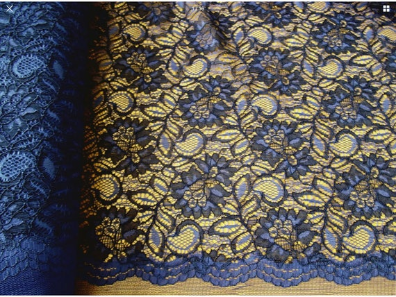 scalloped edge fabric, blue
