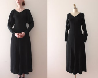 vintage 1930s dress // 30s black batwing sleeve dress