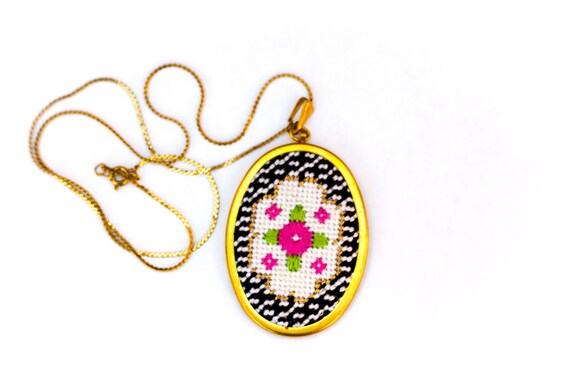 DIY Needlepoint Jewelry Kits: Victorian Floral Oval Pendant