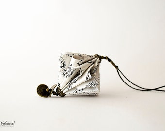 Collier en papier partition de musique - sculpture miniature en papier Origami de bijoux - Art du papier-