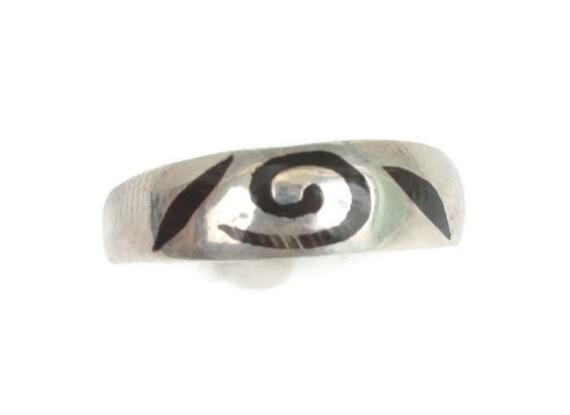 Black Enamel Swirl on Sterling Ring Modernist Abstract Size 9 Plus Netherlands Vintage