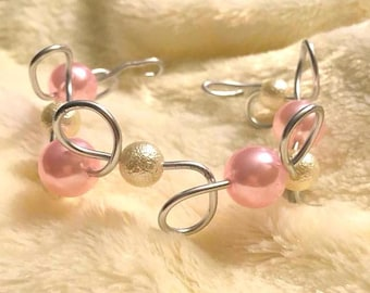 Pink and white iridescent wire bracelet