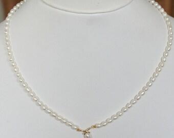 Vintage c1980s 10k Solid Gold Cultured Teadrop Pearl Necklace