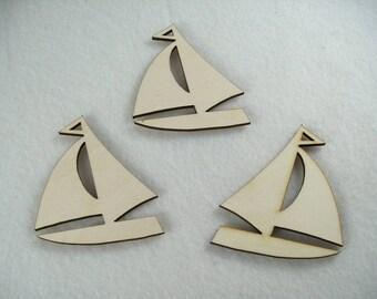 3 Sailing Boats / Wood / 8 x 6,5 cm (13-0002E)