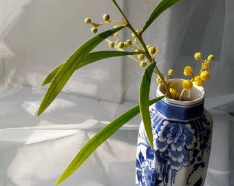 Original delft blue and white small vase with flowers from the Porceleyne fles, from 1963