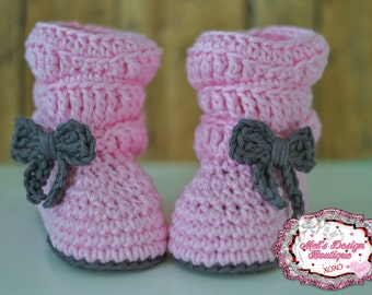 crochet boots, baby girl boots, baby boots, baby shower gift, boots, 0 3 month slouch boots, baby shoes, baby booties, pink ready to ship