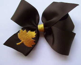 Custom Boutique Monogrammed Fall Leaf Hairbow... Stunning