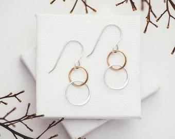 Silver and Gold Circle Earrings, Linked Circle Earrings, Sterling Silver and Gold Dangle Earrings, Mixed Metal Circle Earrings, Circle Links